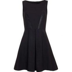 Sukienka. Czarne sukienki balowe Simple, rozkloszowane. Za 439,90 zł.