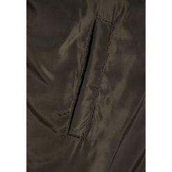 The New ELVO LONG JACKET Płaszcz zimowy tarmac. Brązowe kurtki chłopięce przeciwdeszczowe The New, na zimę, z materiału. W wyprzedaży za 223,30 zł.