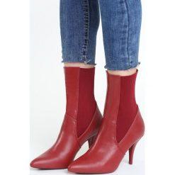 Czerwone Botki Conviviality. Białe botki damskie marki Reserved, na wysokim obcasie. Za 119,99 zł.