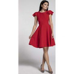 Czerwona Rozkloszowana Sukienka z Rękawkiem Typu Motylek. Czerwone sukienki balowe marki Molly.pl, l, z jeansu, z dekoltem na plecach, z długim rękawem. W wyprzedaży za 148,71 zł.