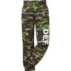 Spodnie dresowe bonprix moro. Zielone dresy chłopięce marki bonprix, moro, z dresówki. Za 44,99 zł.