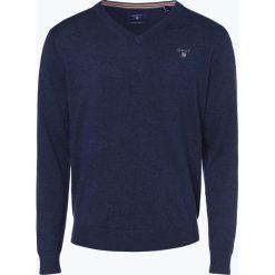 Gant - Sweter męski, niebieski. Niebieskie swetry klasyczne męskie GANT, m, z haftami, z bawełny, z dekoltem w serek. Za 449,95 zł.