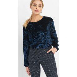 Welurowa koszulka. Niebieskie t-shirty damskie Orsay, xs, z elastanu, z okrągłym kołnierzem. Za 69,99 zł.