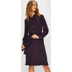 Calvin Klein - Sukienka. Sukienki małe czarne Calvin Klein, na co dzień, z poliesteru, casualowe, proste. Za 999,90 zł.