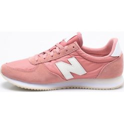 New Balance - Buty WL220RA. Szare buty sportowe damskie New Balance, z gumy. W wyprzedaży za 259,90 zł.