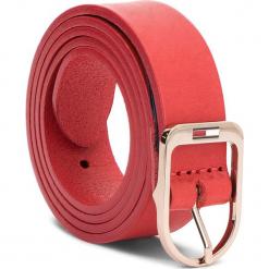 Pasek Damski TOMMY JEANS - Tjw Flag Belt 2.5 AW0AW05896 75 614. Czerwone paski damskie Tommy Jeans, w paski, z jeansu. W wyprzedaży za 139,00 zł.