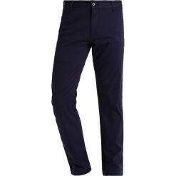 Chinosy męskie: DOCKERS PACIFIC FIELD Spodnie materiałowe pembroke