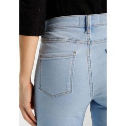 Dorothy Perkins DARCY Jeans Skinny Fit icy blue. Niebieskie jeansy damskie marki Dorothy Perkins, z bawełny. Za 129,00 zł.
