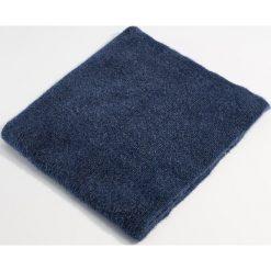 Szalik z połyskującym włosiem - Granatowy. Niebieskie szaliki damskie Mohito. Za 59,99 zł.