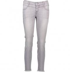"""Dżinsy """"Jasmin"""" - Slim fit - w kolorze szarym. Niebieskie jeansy damskie relaxed fit marki Mustang, z aplikacjami, z bawełny. W wyprzedaży za 195,95 zł."""