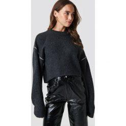 Cheap Monday Sweter User Knit - Grey. Szare swetry klasyczne damskie Cheap Monday, z dzianiny, z okrągłym kołnierzem. Za 222,95 zł.