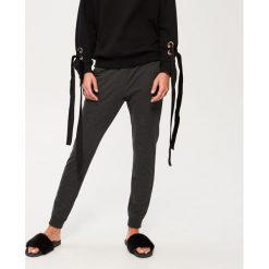 Spodnie dresowe damskie: Spodnie dresowe – Szary