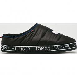 Tommy Hilfiger - Kapcie. Czarne kapcie damskie marki TOMMY HILFIGER, z materiału. Za 229,90 zł.