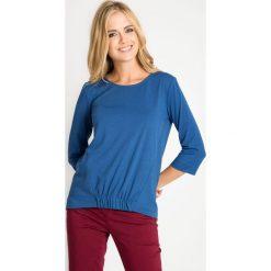 Bluzki damskie: Niebieska bluzka z marszczeniem z przodu QUIOSQUE