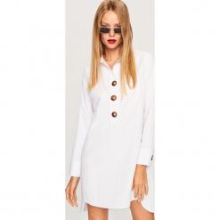 Koszulowa sukienka w stylu retro - Biały. Białe sukienki Reserved, retro, z koszulowym kołnierzykiem, koszulowe. Za 119,99 zł.