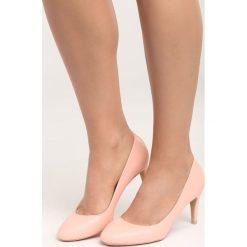 Różowe Czółenka Hold the Time. Czerwone buty ślubne damskie Born2be, z okrągłym noskiem, na szpilce. Za 69,99 zł.