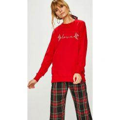 Answear - Bluza. Czerwone bluzy z nadrukiem damskie ANSWEAR, l, z dzianiny, bez kaptura. Za 69,90 zł.