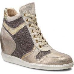 Sneakersy CARINII - B3344  Dave Met. 6715/Tesla Ivory/Lucerna 3. Brązowe sneakersy damskie Carinii, z lakierowanej skóry. W wyprzedaży za 259,00 zł.