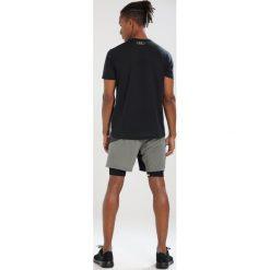 Gore Wear 2IN1 SHORTS Krótkie spodenki sportowe terra grey/castor grey. Zielone bermudy męskie Gore Wear, z elastanu, sportowe. Za 379,00 zł.