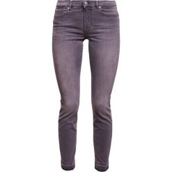 BOSS CASUAL ATLANTA Jeansy Slim Fit medium grey. Szare rurki damskie BOSS Casual. Za 589,00 zł.