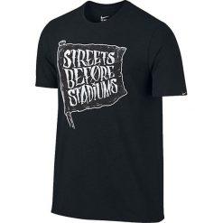 Nike Koszulka męska Football Verbiage Tee czarna r. XL (832869 010). Czarne koszulki sportowe męskie marki Nike, m, do piłki nożnej. Za 82,47 zł.