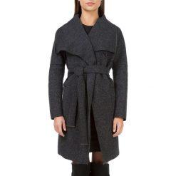 Płaszcz damski 83-9W-103-1. Czerwone płaszcze damskie marki Wittchen, s, z futra, z kapturem. Za 469,00 zł.