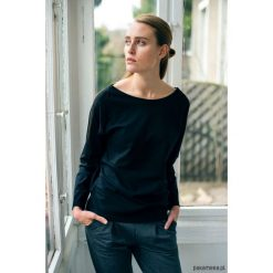 MINIMAL BLACK Bluzka Oversize. Czarne bluzki oversize marki Pakamera. Za 149,00 zł.