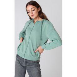 NA-KD Basic Bluza basic z kapturem - Green. Różowe bluzy rozpinane damskie marki NA-KD Basic, prążkowane. Za 80,95 zł.