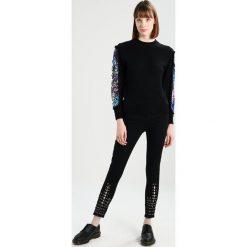 Swetry klasyczne damskie: Navy London RUBY Sweter black