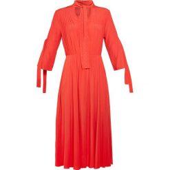 MAX&Co. PAPUA Długa sukienka red. Czerwone długie sukienki marki MAX&Co., m, z elastanu. W wyprzedaży za 644,50 zł.