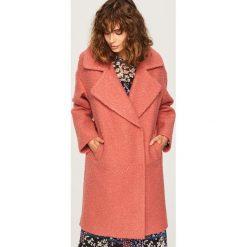Płaszcz z rozłożystym kołnierzem - Czerwony. Czerwone płaszcze damskie Reserved. Za 199,99 zł.