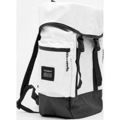 Plecaki męskie: Biały plecak górski
