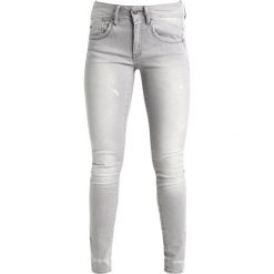 GStar LYNN MID SKINNY NEW Jeans Skinny Fit tricia grey. Szare jeansy damskie marki G-Star, z bawełny. W wyprzedaży za 363,30 zł.