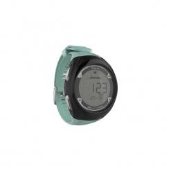 Zegarek do biegania z pulsometrem ONRHYTHM 900. Czarne zegarki męskie marki KALENJI, ze stali. Za 219,99 zł.