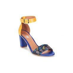 Sandały Betty London  GODAZ. Niebieskie sandały damskie marki Betty London. Za 216,30 zł.