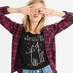 T-shirt z kocim motywem - Czarny. Czarne t-shirty damskie Sinsay, l. Za 14,99 zł.