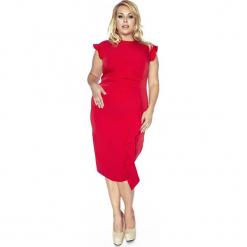 Stylowa Czerwona Sukienka z Falbanką PLUS SIZE. Czerwone sukienki balowe Molly.pl, plus size, z dekoltem na plecach, plus size, dopasowane. Za 199,00 zł.