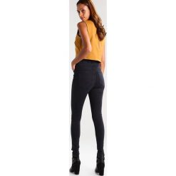Dr.Denim MOXY Jeans Skinny Fit black lush. Czarne boyfriendy damskie Dr.Denim. Za 249,00 zł.