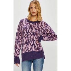 Trendyol - Sweter. Szare swetry klasyczne damskie Trendyol, l, z dzianiny. W wyprzedaży za 69,90 zł.
