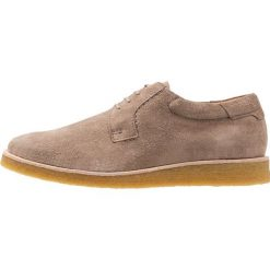 CLOSED Sznurowane obuwie sportowe myth. Brązowe buty sportowe męskie CLOSED, z materiału, na sznurówki. Za 1089,00 zł.
