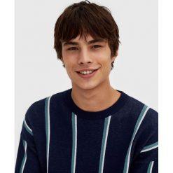 Swetry klasyczne męskie: Sweter w paski z okrągłym dekoltem