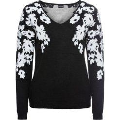 Sweter bonprix czarno-biały z nadrukiem. Białe swetry klasyczne damskie marki bonprix, z żakardem, z dekoltem w serek. Za 79,99 zł.