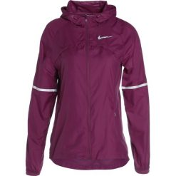 Nike Performance HOODED SHIELD Kurtka do biegania tea berry/reflective silver. Fioletowe kurtki sportowe damskie Nike Performance, xl, z materiału. W wyprzedaży za 259,35 zł.