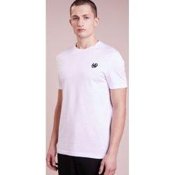McQ Alexander McQueen CREW TEE Tshirt basic optic white/black. Białe koszulki polo McQ Alexander McQueen, m, z bawełny. Za 419,00 zł.