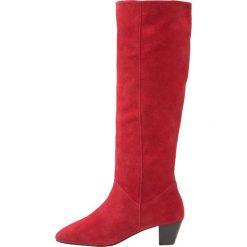 KIOMI Kozaki mulberry red. Czerwone kowbojki damskie KIOMI, z materiału. W wyprzedaży za 209,50 zł.