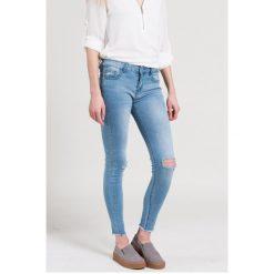 Haily's - Jeansy. Niebieskie jeansy damskie rurki marki Sinsay, z podwyższonym stanem. W wyprzedaży za 69,90 zł.