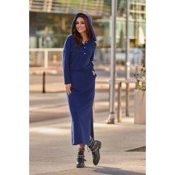 Dresowa sukienka maxi z kapturem granatowy. Czarne długie sukienki marki Sinsay, l, z kapturem. Za 159,90 zł.