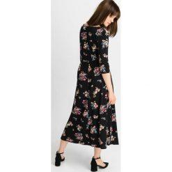 Sukienki hiszpanki: Sukienka midi w kwiaty