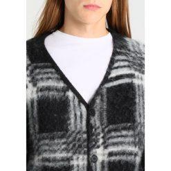 Swetry rozpinane męskie: Weekday FORTUNE CHECK Kardigan black/white