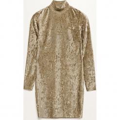 Sukienka o aksamitnym połysku - Brązowy. Czarne sukienki marki Reserved, z lyocellu. Za 89,99 zł.